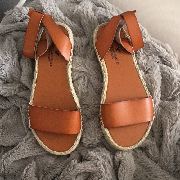 23ad625aa0e Brown AEO Flatform Espadrille Sandals NWT NWT